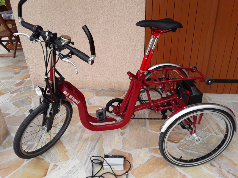 Tricycle assistance électrique pliant