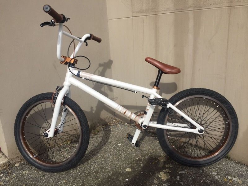 Bmx Wipe 7 + Casque Integral Blanc