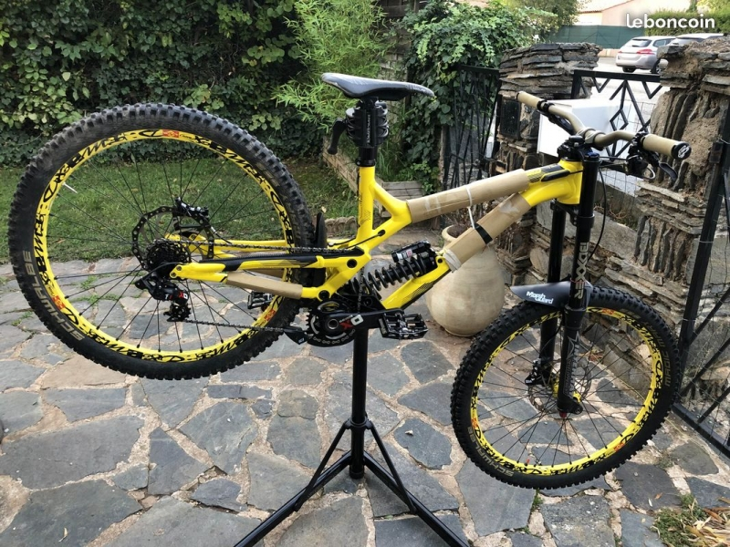 Commencal 27.5 SuprÊme Dh V4 World Cup 2017